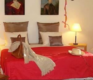 Bo-image_room_guestroom_1-300x257