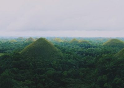 Philippines-Chocolate-Hills-R-600x400