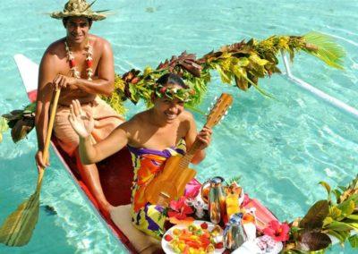 TAHAA_LE TAHAA-canoe-breakfast