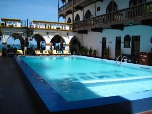 Tembo-House-Hotel-300x225