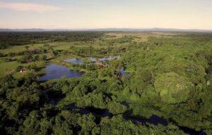 Vue-aerienne-pousada-Pantanal-300x192