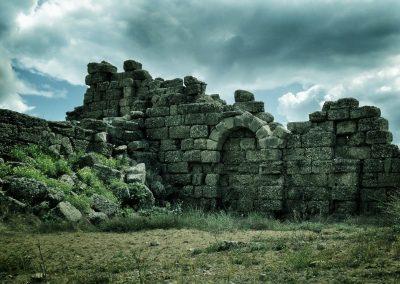 ruin-1050654_1280
