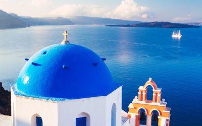 Les incontournables des Cyclades : Mykonos, Paros et Santorin.